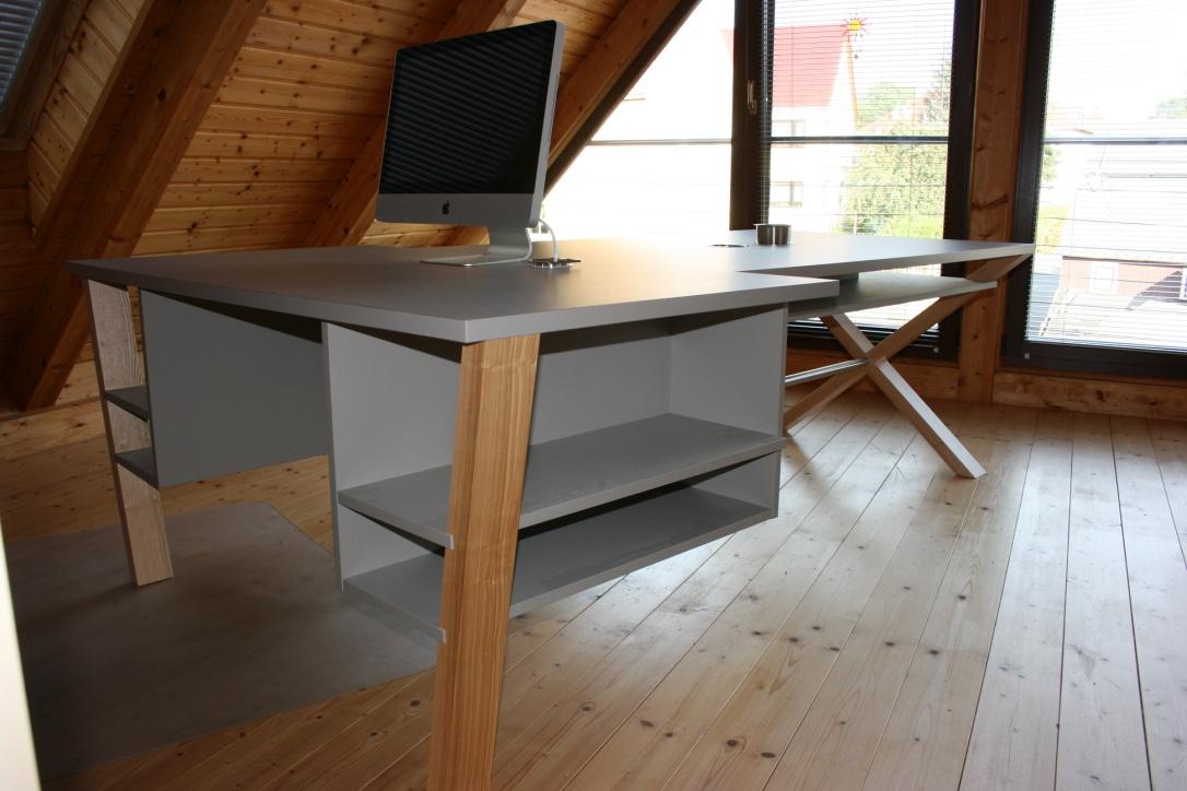Schreib-und Basteltisch