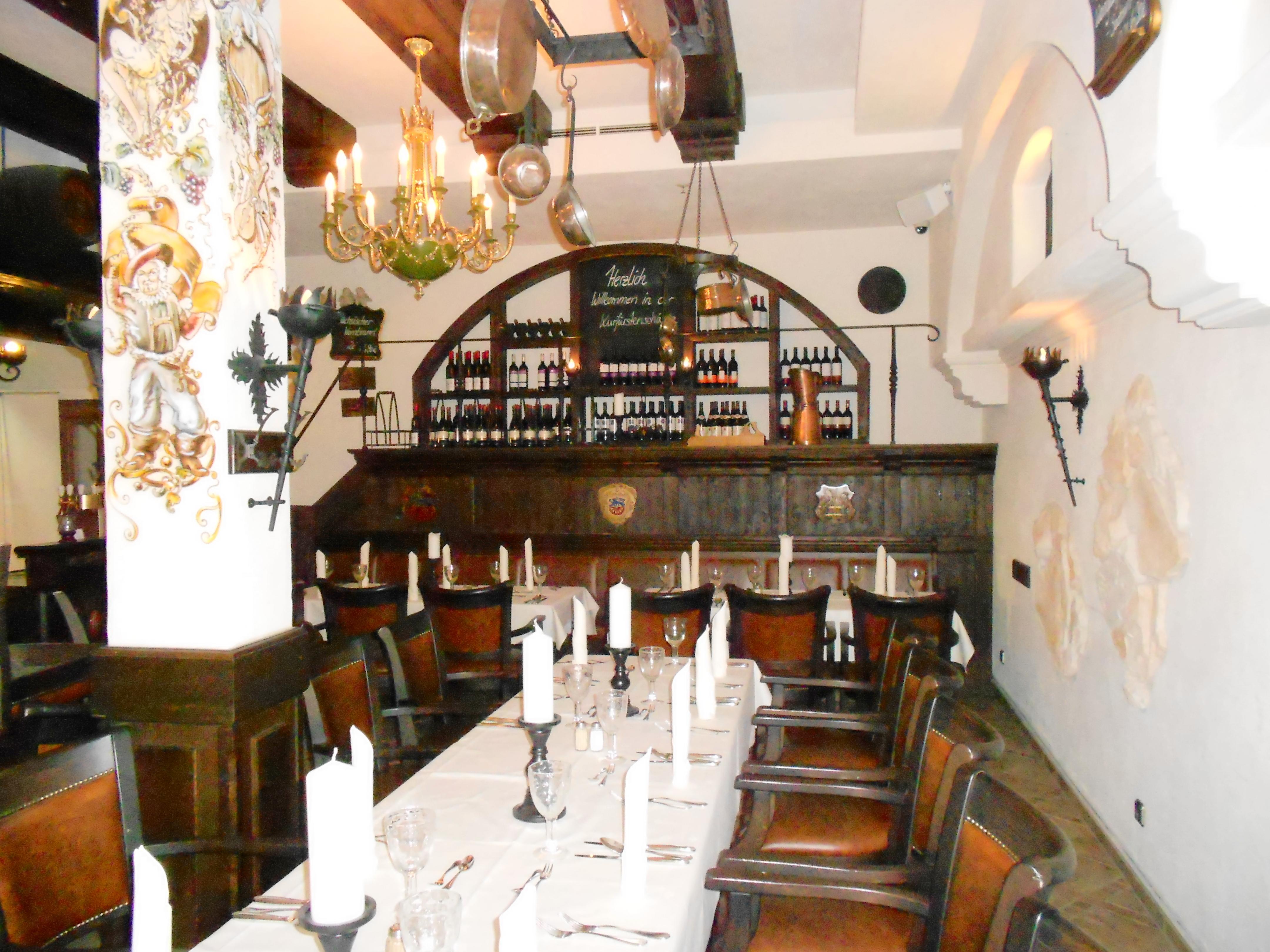 Tischlerei Kaden | Gastronomieeinrichtungen rustikal